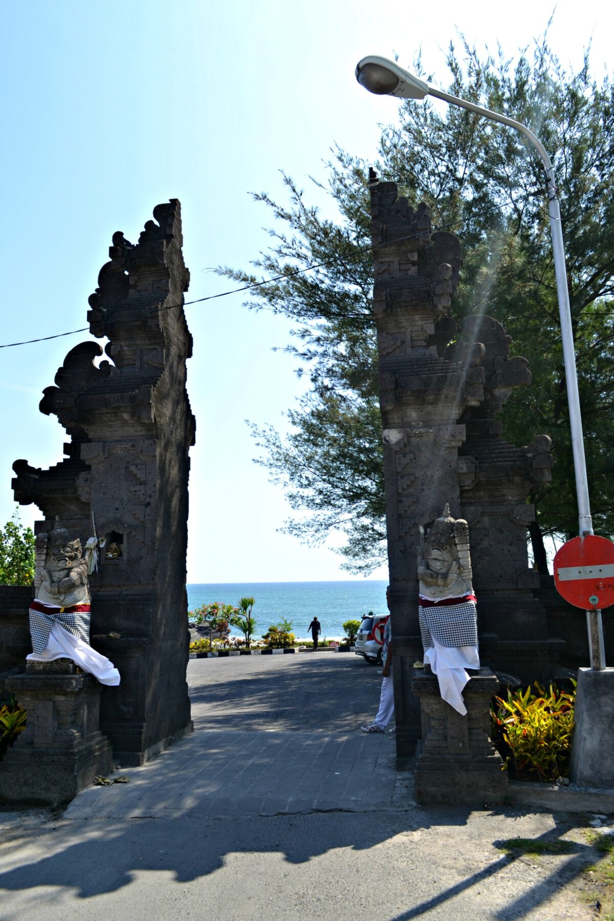 Entrance of Tanha Lot temple