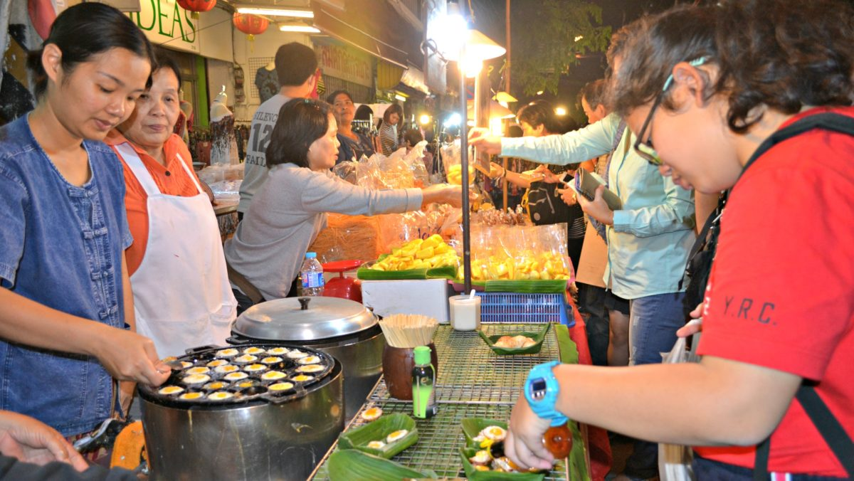Chiang Mai Sunday Market Walking Street
