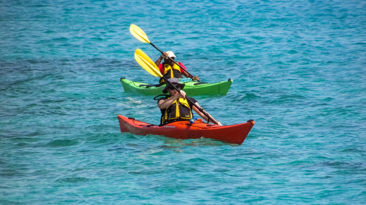 Canoe vs Kayak - How to Choose? Everything You Need To Know