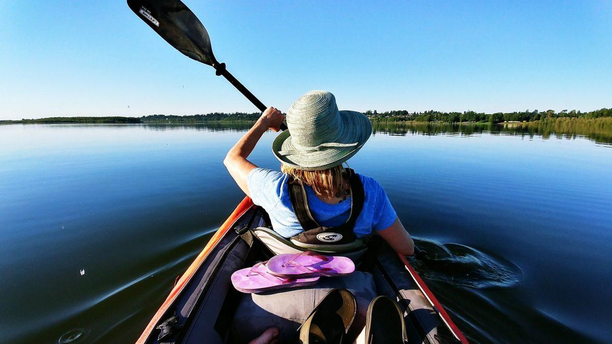 solo Canoe vs kayak