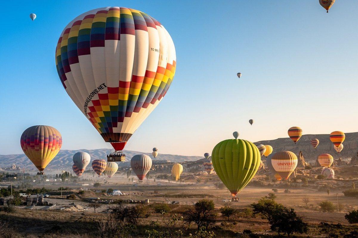 hot air balloon ride during sunrise