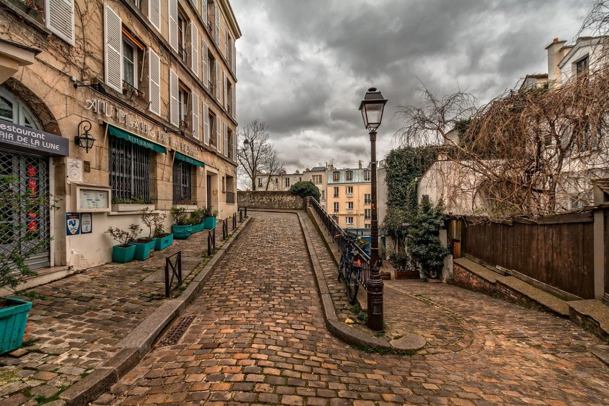 250 Paris Captions And Puns For Dreaming About the City of Lights