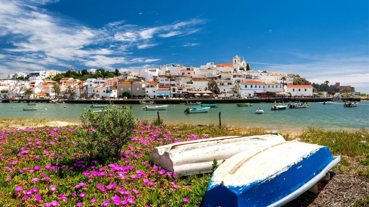 best time to travel to algarve portugal