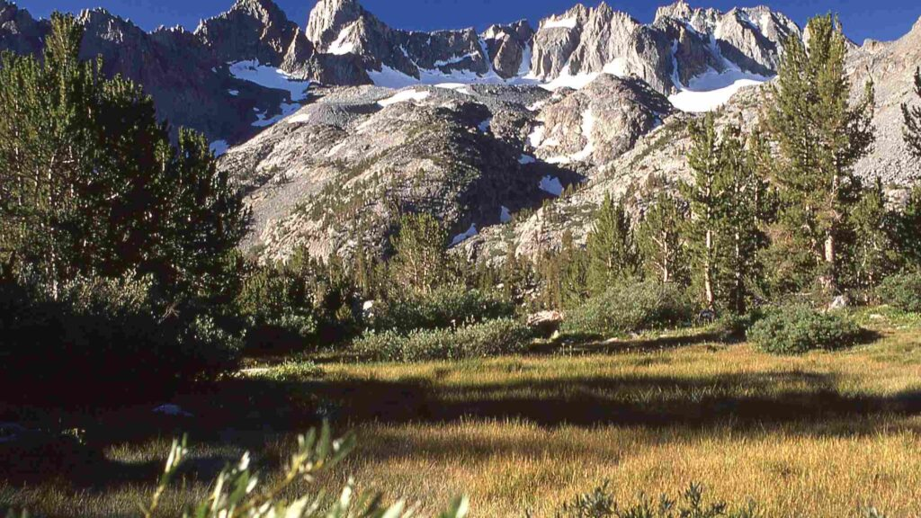 Big Pine Lakes Hike trail