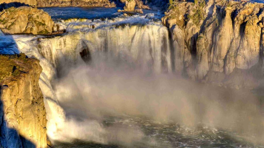 is shoshone waterfalls running