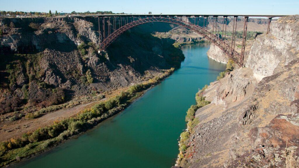 Perrine bridge shoshone falls